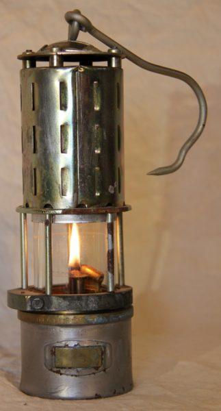 VENDU Lampe de mineur polonaise