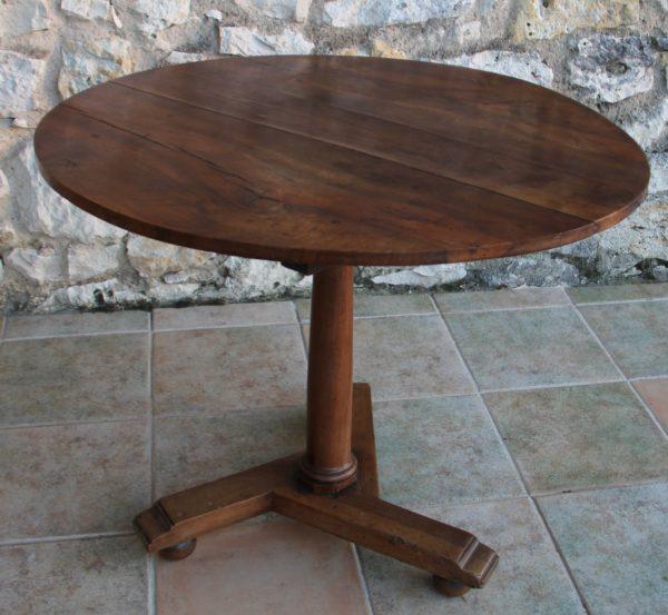 VENDU Table ronde pliante