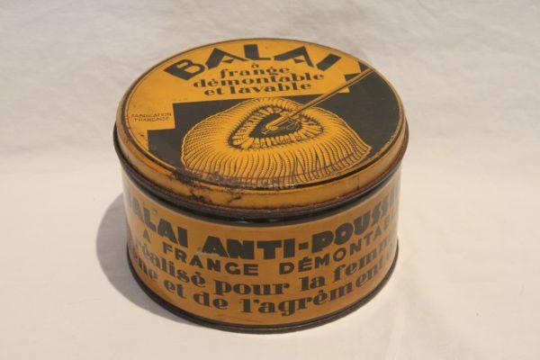 VENDU Boite balai anti-poussière 60's